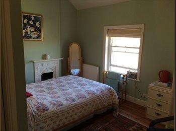 1 Lovely Double Bedroom with en suite