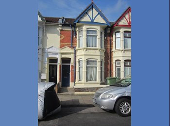 EasyRoommate UK - SPACIOUS DOUBLE ROOM TO LET - Fratton, Portsmouth - £390 pcm