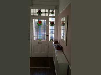 EasyRoommate UK - 2 Rooms in beautiful house in Gatley - Gatley, Stockport - £450 pcm
