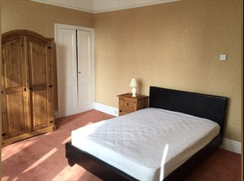 EasyRoommate UK - Tasteful town house St. Judes/Stoke - St Judes, Plymouth - £368 pcm