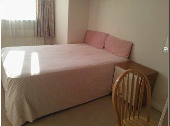 EasyRoommate UK - EXCELLENT ROOM PRICE REDUCED - Maidenhead, Maidenhead - £350 pcm