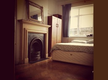 EasyRoommate UK - Bright, Clean, Double Room Available - Worcester Park, London - £500 pcm