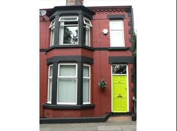 EasyRoommate UK - Room available on the famous Penny Lane - Mossley Hill, Liverpool - £350 pcm