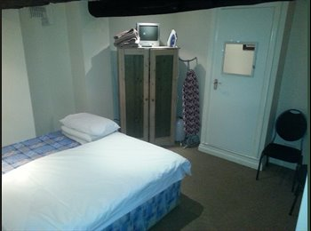 Double Room House Share - Centre of Macclesfield