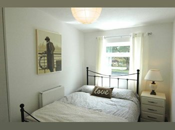 EasyRoommate UK - Double bedroom avaliable Mid April (PO15 6SH) - Whiteley, Fareham and Gosport - £410 pcm