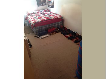 EasyRoommate UK - Double room available - Moss side, Manchester - £275 pcm