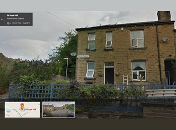 EasyRoommate UK - Easy Going Female needing a roomy :) - Huddersfield, Kirklees - £206 pcm