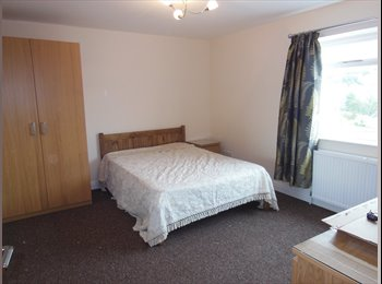 EasyRoommate UK - Large furnished double room ready now - Heckmondwike, Kirklees - £300 pcm