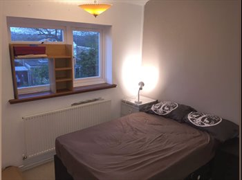 EasyRoommate UK - Must see double room in quiet attractive location. - Brentwood, Brentwood - £550 pcm