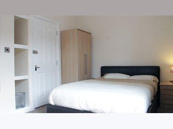 EasyRoommate UK - NEW! Ensuite room with flatscreen TV - Stoke! - Stoke-on-Trent, Stoke-on-Trent - £433 pcm