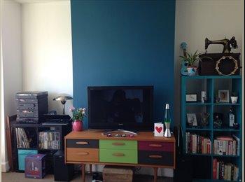 EasyRoommate UK - Double Room in a lovely flat in Harrow, £600 incl. - Harrow, London - £600 pcm