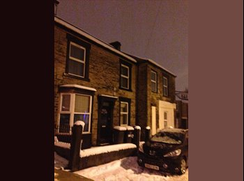 EasyRoommate UK - Spacious Room in Crooks - Crookes, Sheffield - £370 pcm