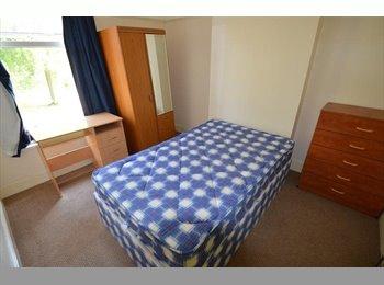 EasyRoommate UK - 4 bedroom house to rent - Selly Oak, Birmingham - £300 pcm