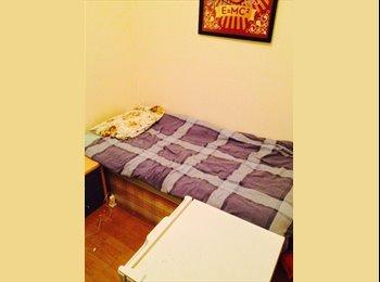 1 Bedroom to rent plus deposit; given back at end