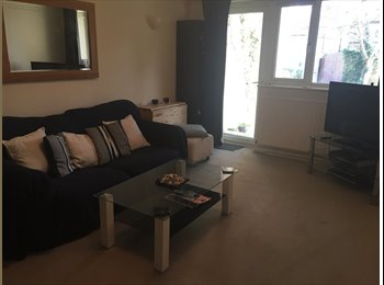 EasyRoommate UK - Double room in Surbiton 2 bedroom flat - Berrylands, London - £550 pcm