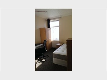 EasyRoommate UK - £320 per month INCLUDING ALL BILLS & CLEANER - Southsea, Portsmouth - £320 pcm