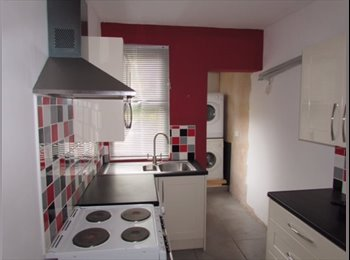 EasyRoommate UK - 3 doubles in High Town - Close to station - Luton, Luton - £425 pcm