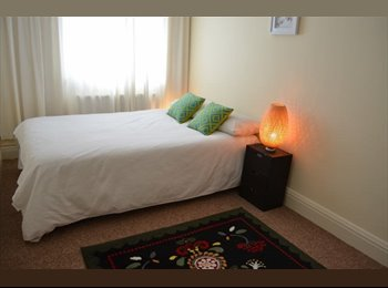 EasyRoommate UK - Double room 50 yards from the Station - Brixton, London - £630 pcm