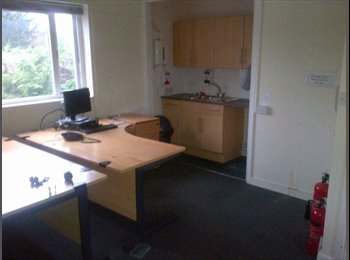 EasyRoommate UK - Great Rooms in MK £225pppcm Inc Bills - Stony Stratford, Milton Keynes - £225 pcm
