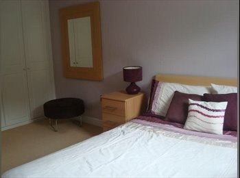 Large double furnished with en-suite room