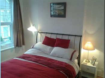 EasyRoommate UK - King Size Bedroom in refurbished house - Stratford, London - £650 pcm