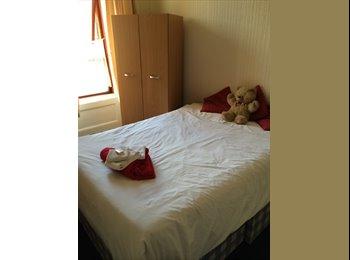 EasyRoommate UK - Doublr Room to rent - Glasgow Centre, Glasgow - £350 pcm
