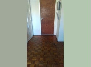 EasyRoommate UK - Double Room in Spacious House. - Hatfield, Hatfield - £400 pcm