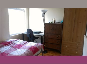 EasyRoommate UK - Room for rent only girls - Withington, Manchester - £330 pcm