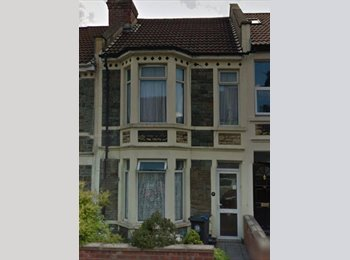 EasyRoommate UK - Large Double in Professional House - Horfield, Bristol - £460 pcm