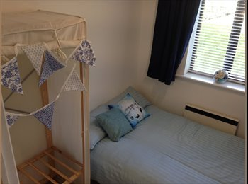 EasyRoommate UK - Double room in welcoming home - Twickenham, London - £650 pcm