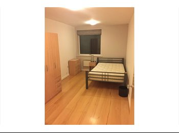 EasyRoommate UK - Refurb'd double bed share 2 mins from London Br. - Waterloo and London Bridge, London - £1,200 pcm
