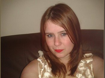 EasyRoommate UK - Jess - 22 - Newcastle under Lyme
