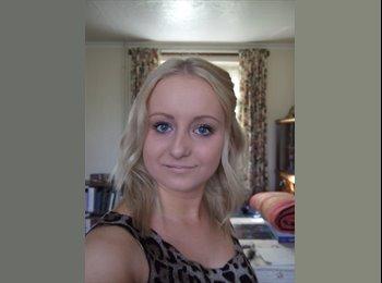 EasyRoommate UK - Sarah - 23 - Mansfield