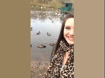 EasyRoommate UK - Kirsten  - 18 - Kettering