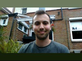 EasyRoommate UK - Aaron - 24 - Poole