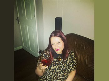 Leanne - 28 - Professional