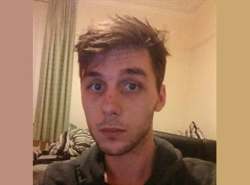 EasyRoommate UK - Nathaniel - 22 - Luton