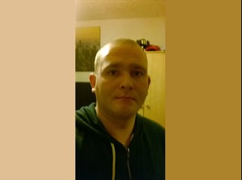 EasyRoommate UK - Christopher  - 33 - Northampton
