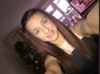 EasyRoommate UK - Chloe - 19 - Crawley
