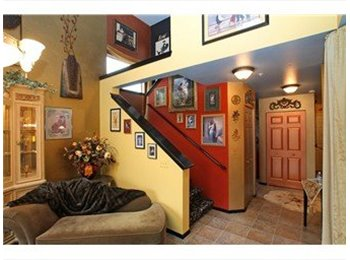 EasyRoommate US - Beautiful townhouse near lake - Everett, Everett - $600 pcm