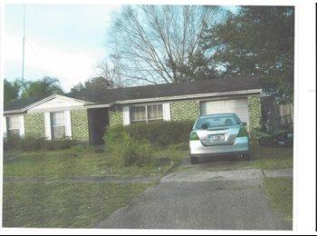 EasyRoommate US - edarnjr - Northwest Jacksonville, Jacksonville - $500 pcm