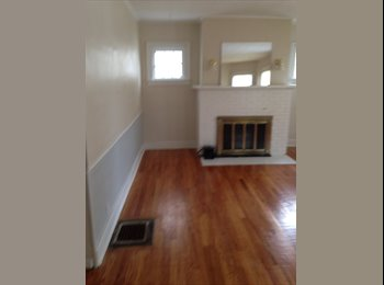 EasyRoommate US - Room for Rent - Strathmore, Syracuse - $425 pcm