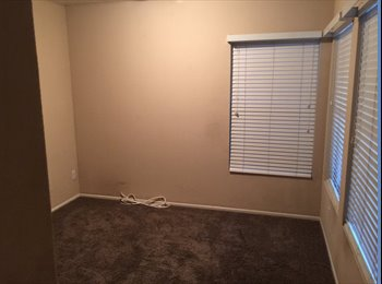 Room to rent in Gilbert house - $500