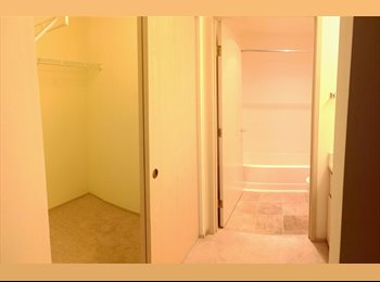 EasyRoommate US - Master bedroom available in 2 bed/2bath - Kent, Kent - $735 pcm