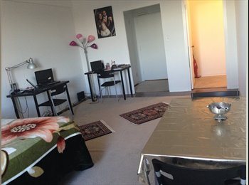 890$ Studio-for sublet ($300 discount on 1st Rent)