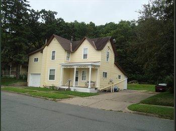 EasyRoommate US - 6 bedroom House for Rent, can be 4 bedrm & 2 Bedrm - Eau Claire, Eau Claire - $1,710 pcm