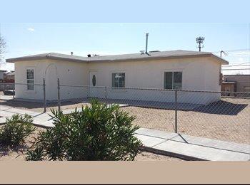 EasyRoommate US - New 2 bedroom apartment  - Central El Paso, El Paso - $750 pcm
