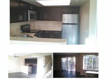 EasyRoommate US - Master Suite $1200 - San Clemente, Orange County - $1,000 pcm