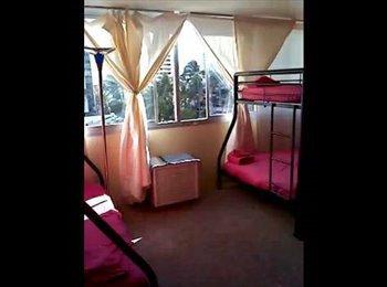 EasyRoommate US - Female Shared Room in Tropical Condo - Oahu, Oahu - $550 pcm