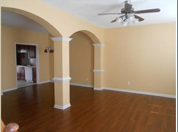 $975 3BR/2.5BA 1530ft Beautiful townhome